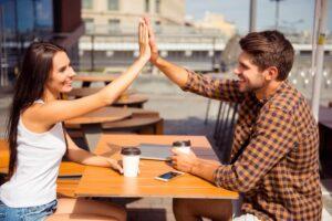 7 maneras de saber si le gustas a un hombre: ¡conócelas!